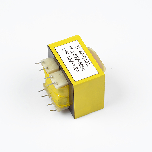 Pin type power transformer